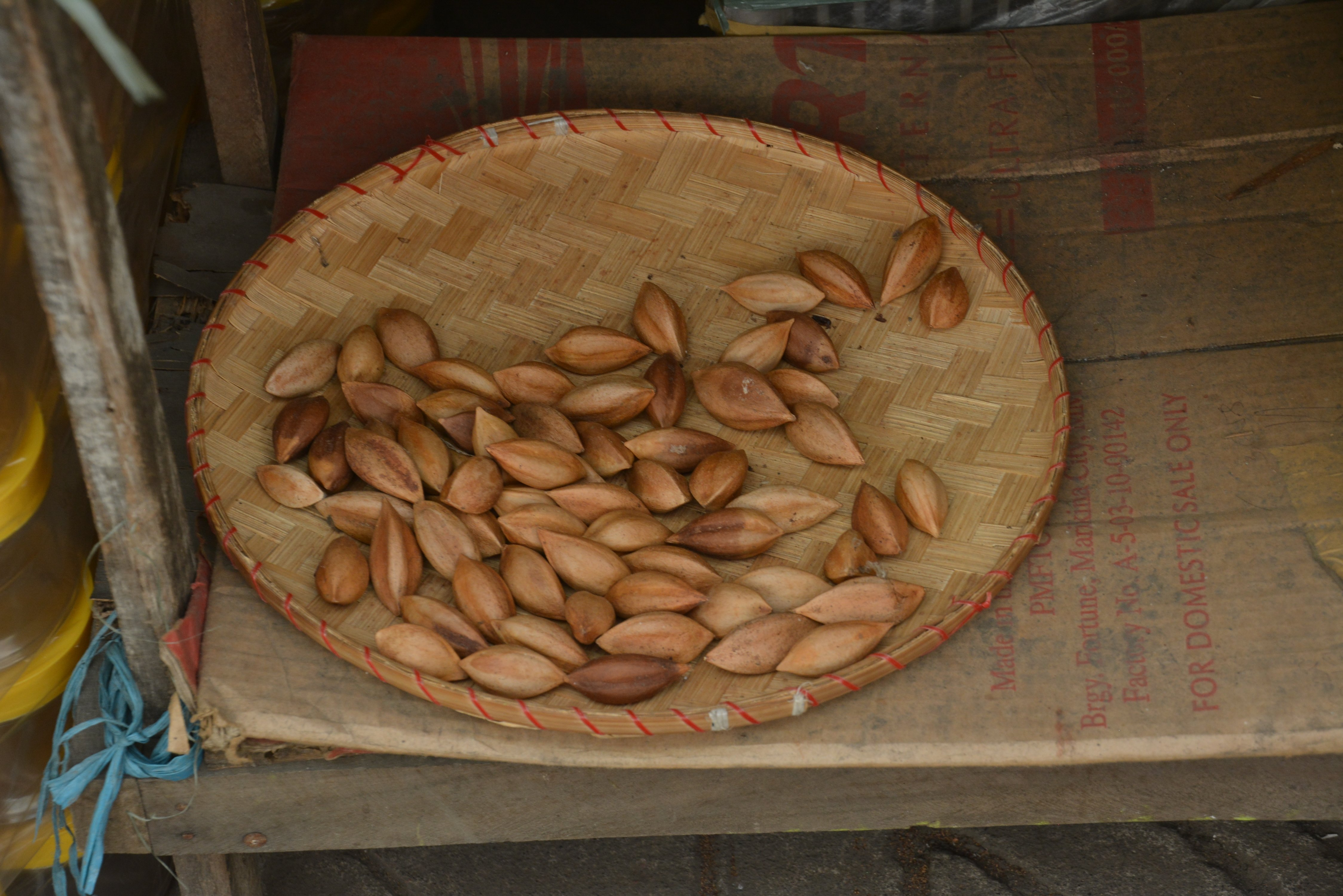 pili-nuts-3.jpg