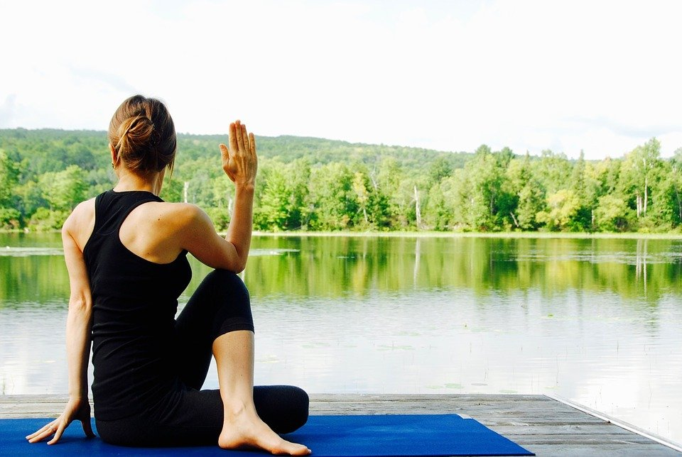 yoga-antiaging-1.jpg